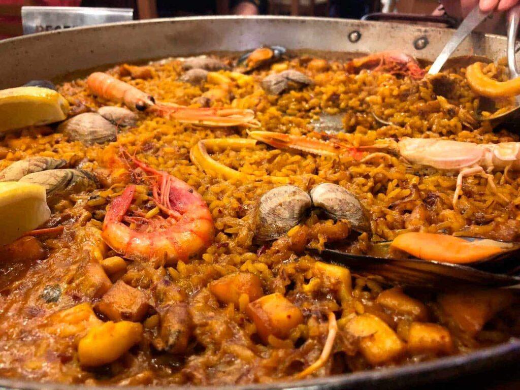 En Calpe se puede comer una buena paella en multitud de restaurantes.